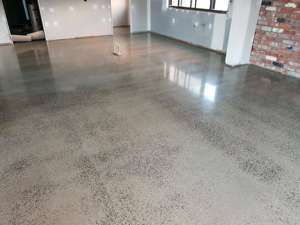 Concrete Flooring Service: What to Look for When Hiring One